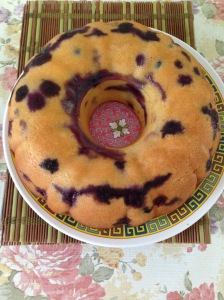 Blueberries lemon mango cake