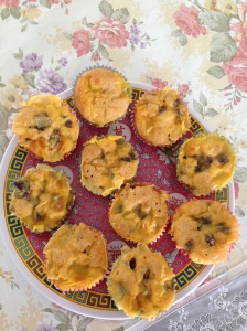 Muffins w custard