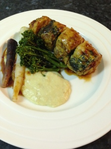 Stuffed chic breast, fennel  and potatoes puree and worcester jus