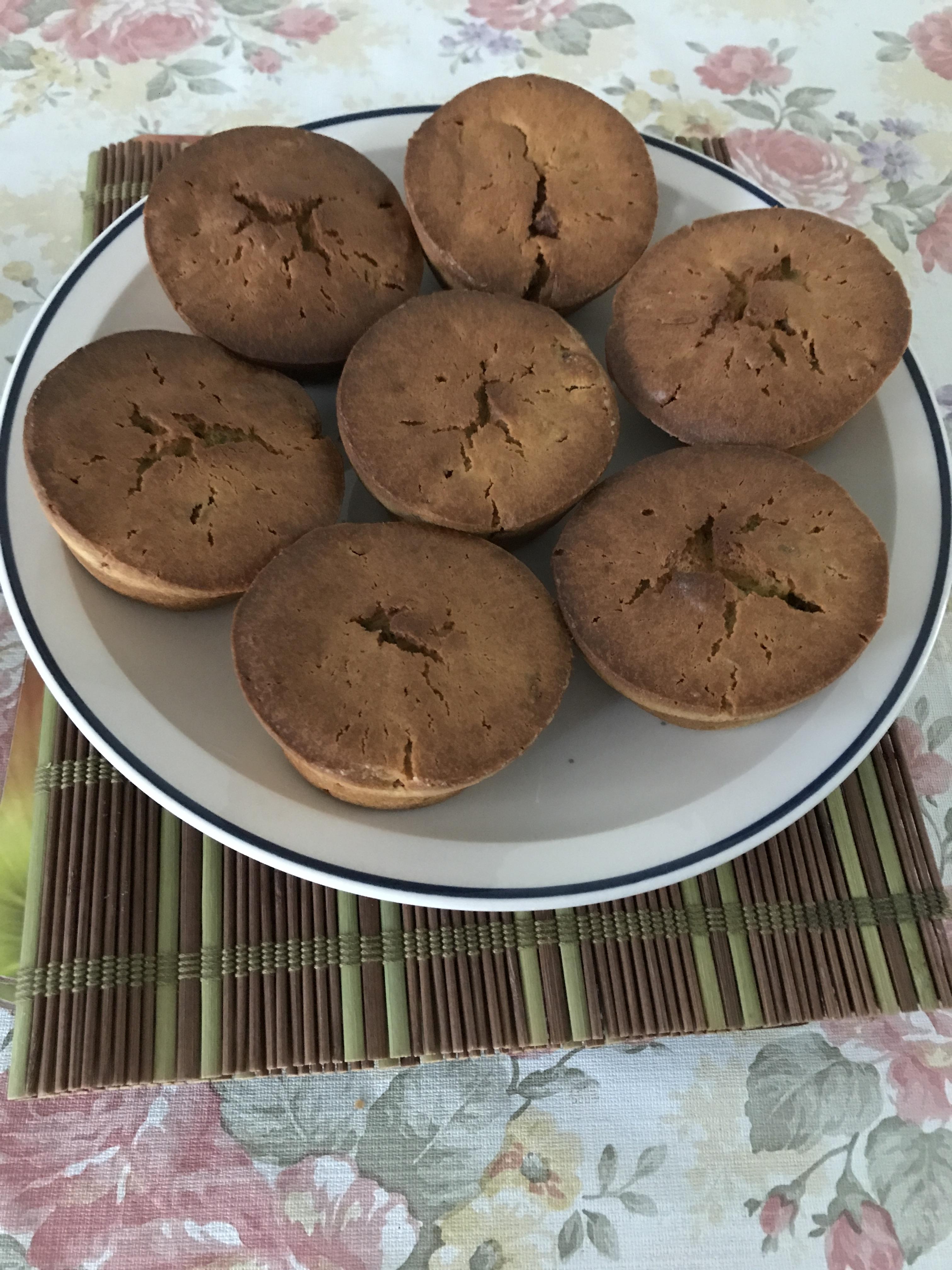 Avocado and bacon cupcakes