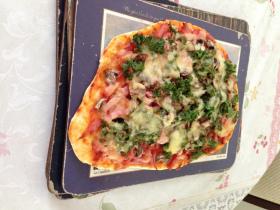Ham, kale olive mushrooms cloud pizza.jpg