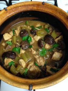 Claypot chicken w mushroom